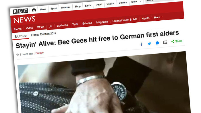 "BBC-Artikel mit der Überschrift: ""'Stayin' alive': Bee Gees hit free to German first aiders"""