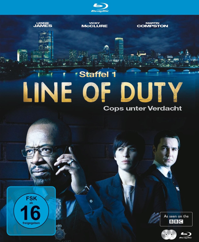 Line of Duty, Staffel 1, DVD: Auf dem Cover sieht man oben eine Skyline, unten drei Personen, eine telefoniert.