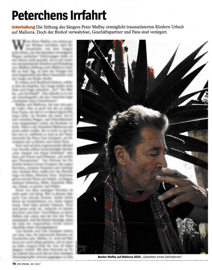 """Artikel aus dem """"Spiegel"""": Rechts ein Foto von Peter Maffay, rauchend; links unscharfer Text, Überschrift: """"Peterchens Irrfahrt"""""""