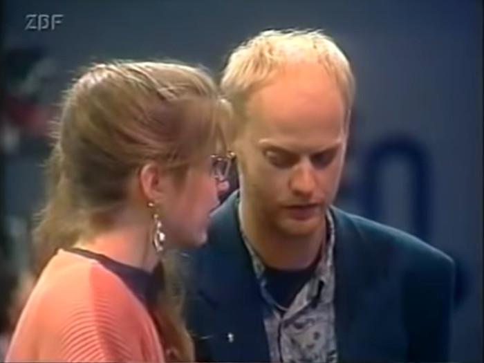 Johanna und Lars besprechen sich bei ihrer Lindenstraßen-Wette