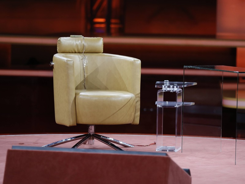 Leerer Stuhl in einer Talkshow