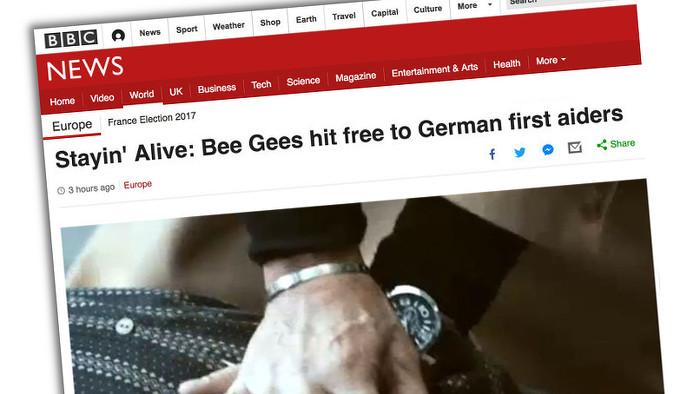 """BBC-Artikel mit der Überschrift: """"'Stayin' alive': Bee Gees hit free to German first aiders"""""""