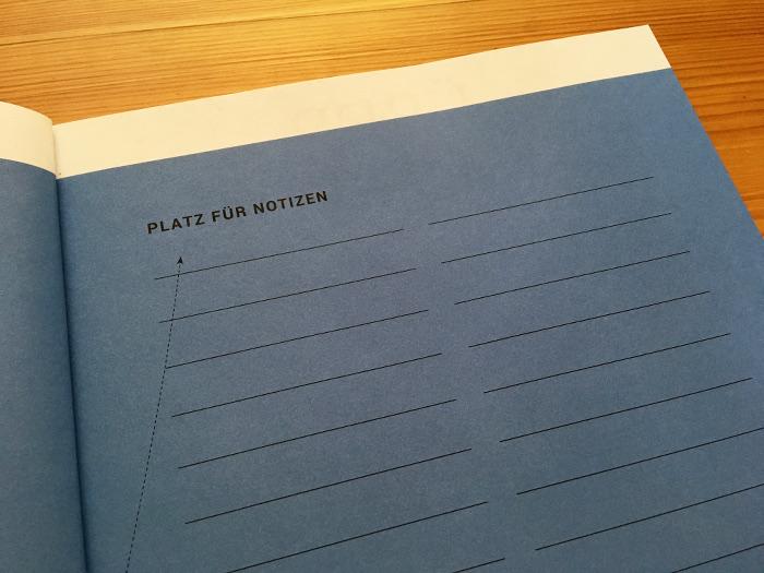 """Linierte Seite als """"Platz für Notizen"""""""