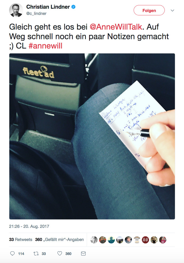 """Tweet von Christian Lindner (FDP) über einem Foto, auf dem man seine Hand sieht, die mit Füller etwas auf einen Zettel kritzelt: """"Gleich geht es los bei @AnneWillTalk. Auf Weg schnell noch ein paar Notizen gemacht ;) CL #annewill"""""""